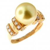 Golden Pearl & Diamond Ring